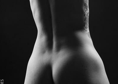Joop Luimes torso vrouw zwartwit_5236
