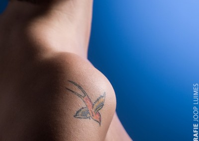 Joop Luimes vrouw met tattoo_5918