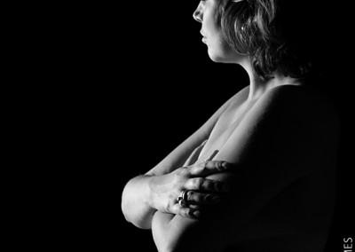 Joop Luimes zwangere vrouw in tegenlicht_1053